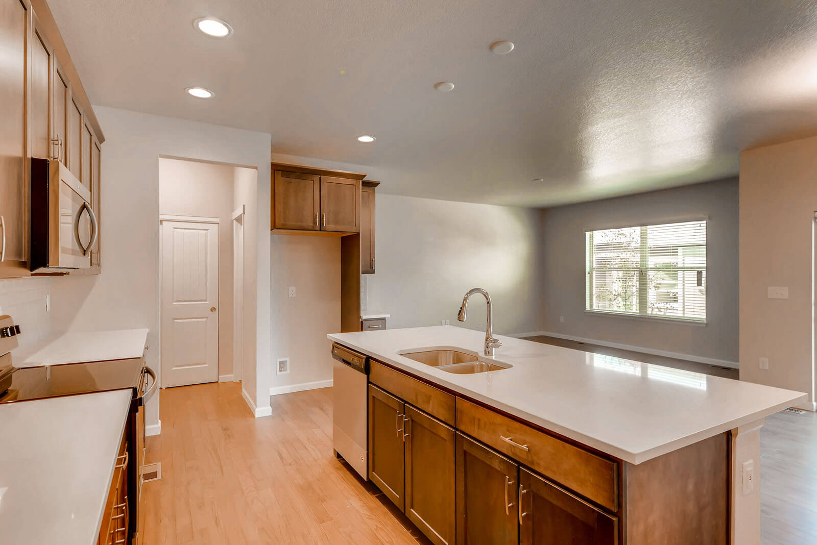 New Denver Single Family Home Quick Possession <b></b>Willow in Lincoln Creek, located at 11896 Barrentine loop, Parker Built By Cardel Homes Denver