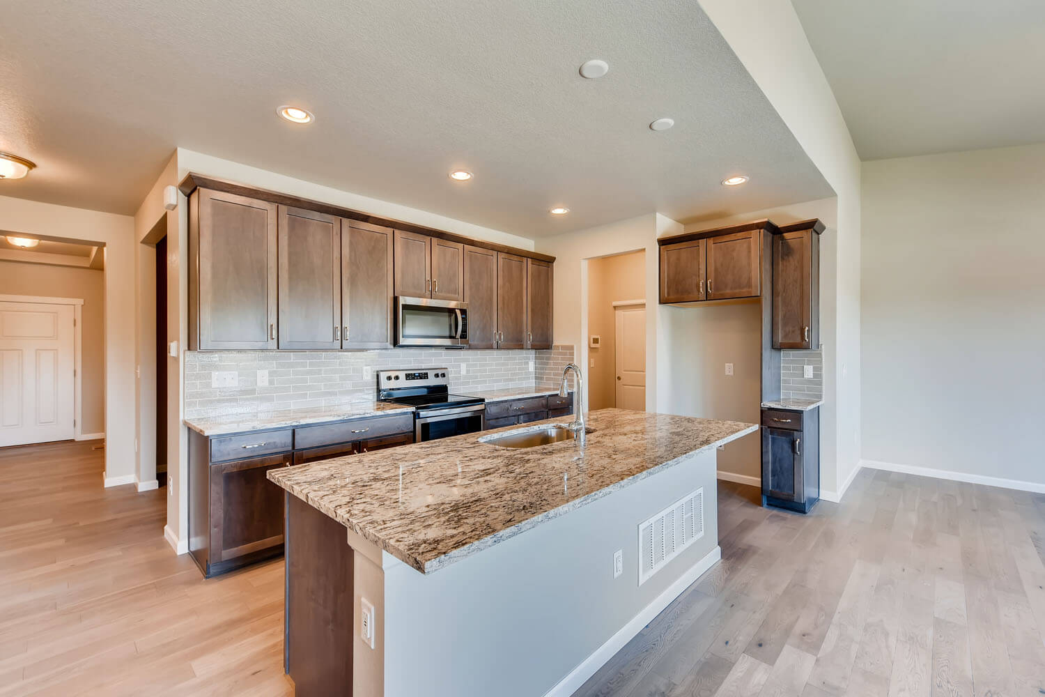New Denver Single Family Home Quick Possession <b></b>Willow in Lincoln Creek, located at 11875 Barrentine Loop, Parker Built By Cardel Homes