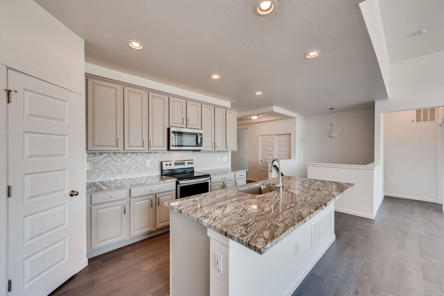 New Denver Single Family Home Quick Possession <b></b>Ponderosa in Lincoln Creek, located at 11905 Barrentine Loop, Parker Built By Cardel Homes