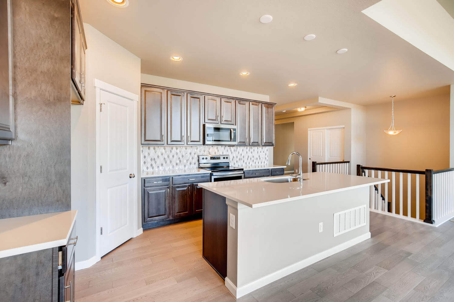 New Denver Single Family Home Quick Possession <b></b>Ponderosa in Lincoln Creek, located at 11881 Barrentine Loop, Parker Built By Cardel Homes