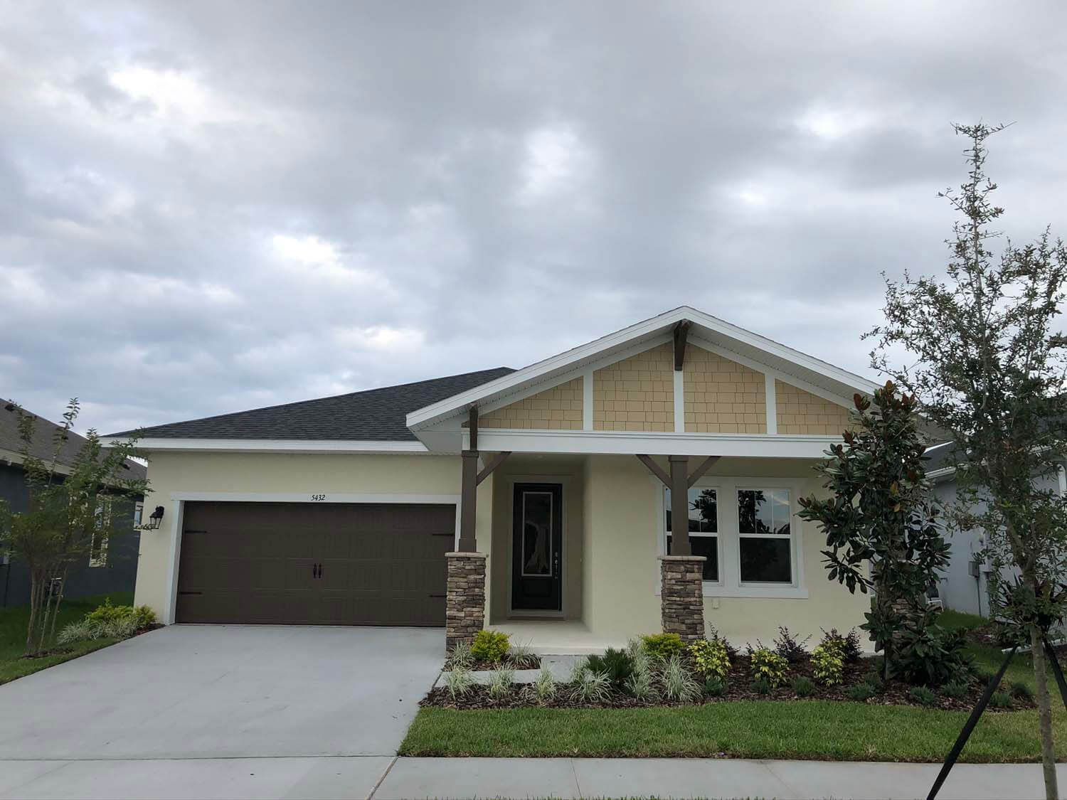 New Tampa Single Family Home Quick Possession Northwood 2 in Waterset, located at 5432 Silver Sun Dr, Apollo Beach 33572 (LOT 15) Built By Cardel Homes